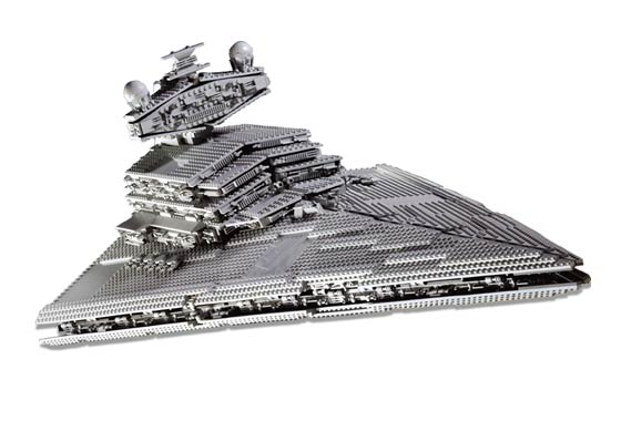 Lego 10030 Imperial Star Destroyer Ultimate Collectors Series - Alternate View 1